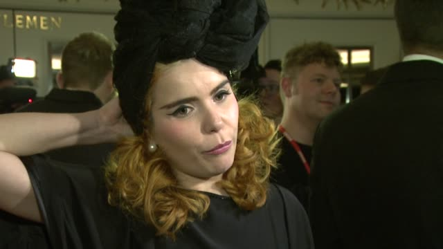 paloma faith at amy winehouse foundation ball arrivals at dorchester hotel on november 20, 2012 in london, england. - dorchester hotel stock videos & royalty-free footage