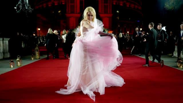 GIF Paloma Faith at The Fashion Awards 2018 In Partnership With Swarovski at Royal Albert Hall on December 10 2018 in London England