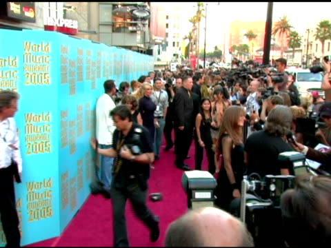 pamela anderson at the 2005 world music awards arrivals at the kodak theatre in hollywood california on september 1 2005 - 2005 stock-videos und b-roll-filmmaterial
