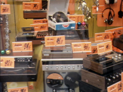 pan across hifi and audio equipment in a shop window - record player stock videos & royalty-free footage