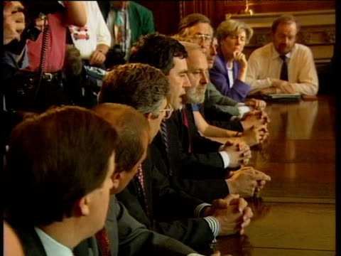 pan across table from gordon brown to tony blair and john prescott at shadow cabinet meeting jul 94 - ジョン プレスコット点の映像素材/bロール