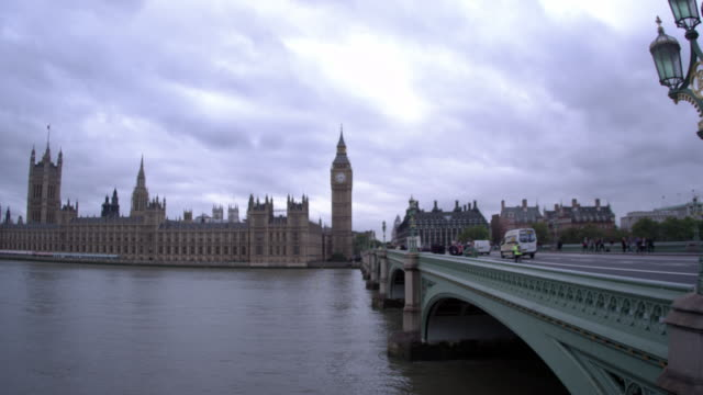 london - october 11: pan across unidentified people on westminster bridge to westminster palace on october 11, 2011 in london - westminster bridge stock videos & royalty-free footage