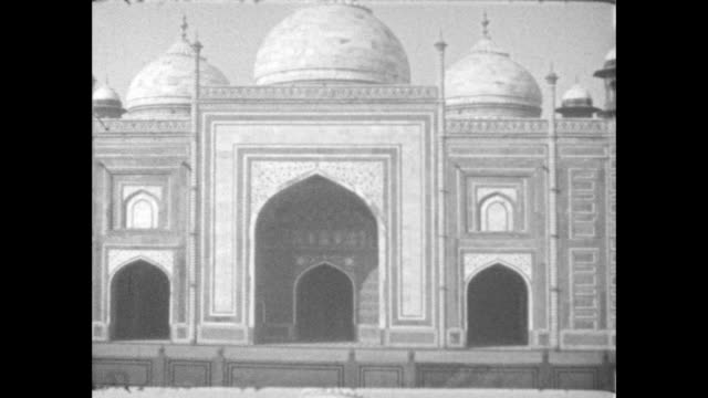 pan along the kau ban mosque situated next to the taj mahal - agra stock videos and b-roll footage