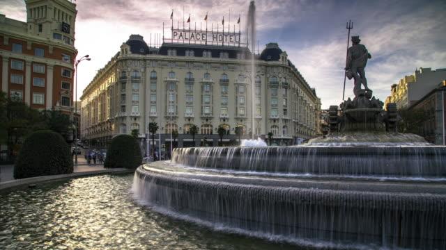 vídeos y material grabado en eventos de stock de t/l pan fountain at paseo del prado roundabout - madrid