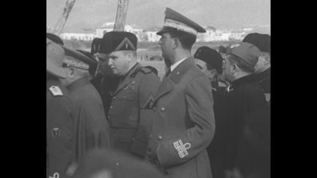 pan italian army in formation / low angle vs soldiers hold bayoneted rifles / italy's king victor emmanuel salutes as he walks past troops of the... - fascism stock videos & royalty-free footage