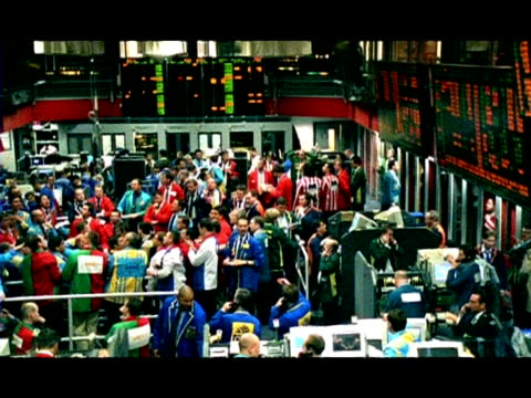 wa pan left across trading floor of the petroleum exchange, london, england - investment stock videos & royalty-free footage