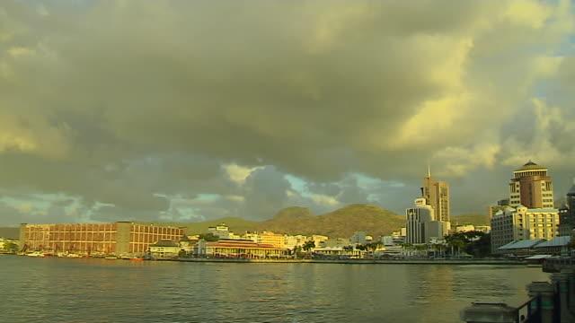 vídeos de stock, filmes e b-roll de pan left shot sea port louis mauritius - ilhas mascarene