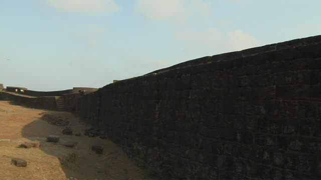 pan left vijaydurg fort sindhudurg maharashtra - fortress stock videos and b-roll footage