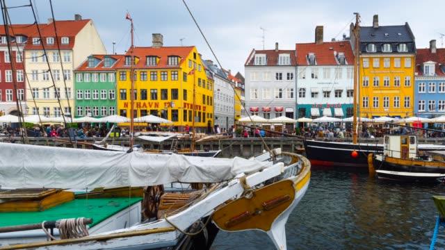 t/l pan nyhvan canal in copenhagen - oresund region stock videos & royalty-free footage