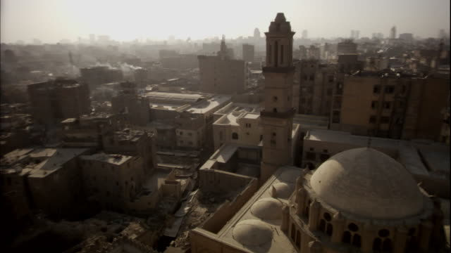 "stockvideo's en b-roll-footage met ""pan of the city of cairo, early morning"" - caïro"