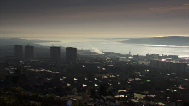 pan over city of dundee, scotland, uk - dundee scotland stock videos & royalty-free footage