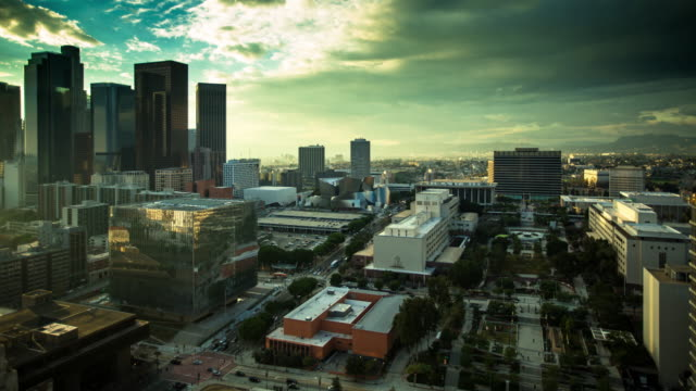 stockvideo's en b-roll-footage met pan over downtown los angeles civic center - time lapse - town hall