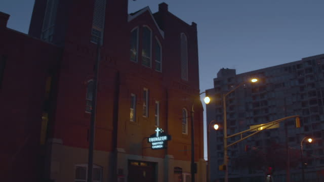 "pan r to ""ebenezer baptist church"" in downtown atlanta, georgia - baptist stock videos & royalty-free footage"