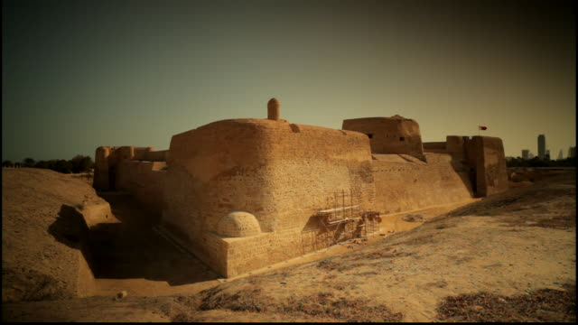 pan right on the islamic architecture of the 15th century arad fort - circa 15th century stock videos & royalty-free footage
