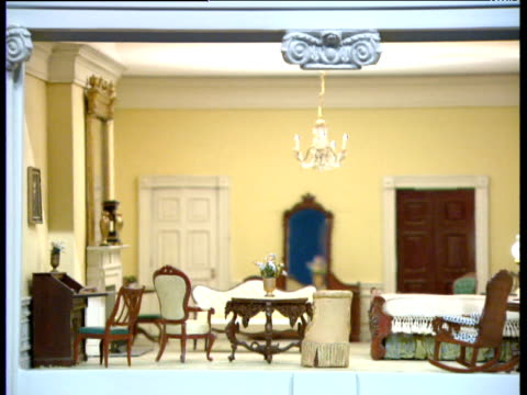 pan right over dolls' house version of white house lincoln bedroom - dollhouse stock videos & royalty-free footage