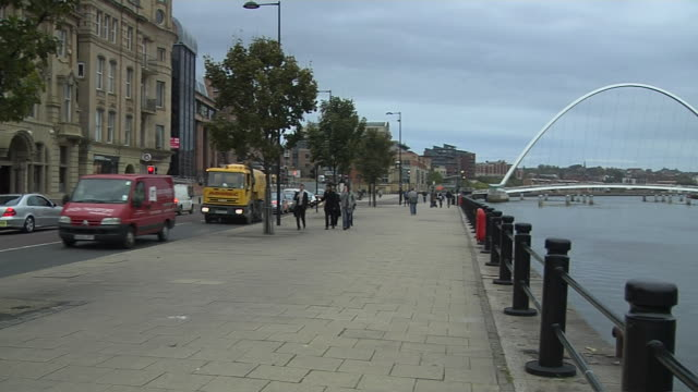 pan right shot millennium bridge newcastle england uk - newcastle upon tyne stock videos & royalty-free footage