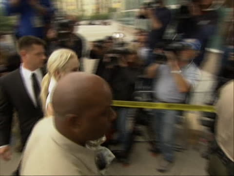 pan right shot of lindsay lohan arriving at a los angeles before being found in violation of her probation the actress was required to post a... - bail cricket stump stock videos & royalty-free footage