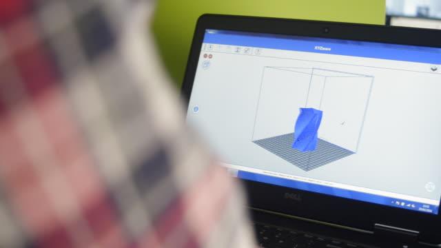 vidéos et rushes de pan right to reveal 3d printing design software - designer