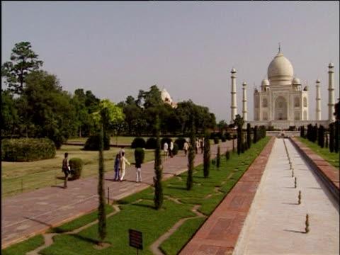 Pan right to Taj Mahal Agra