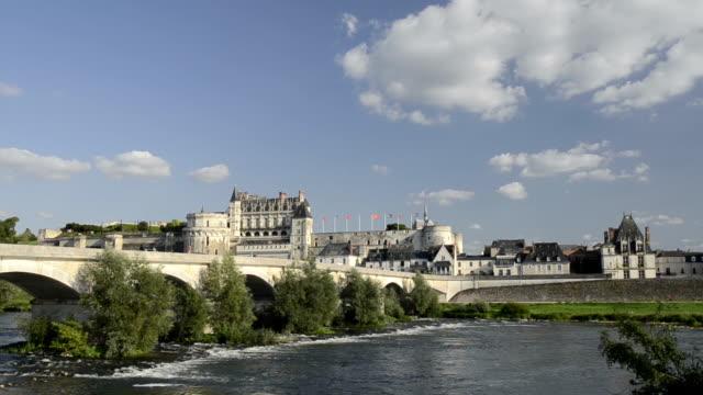 vidéos et rushes de pan shot of bridge and castle of amboise along the loire river - château