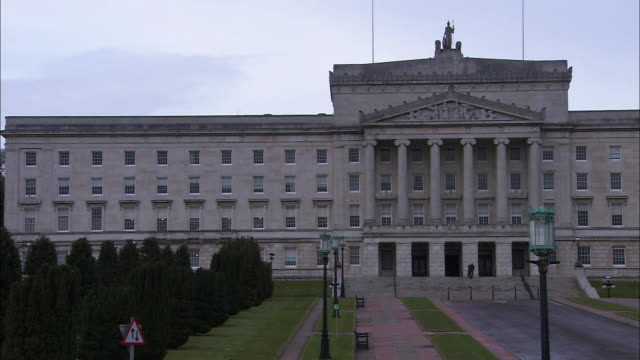 pan to right on stormont parliament buildings, northern ireland - ulster province stock videos & royalty-free footage
