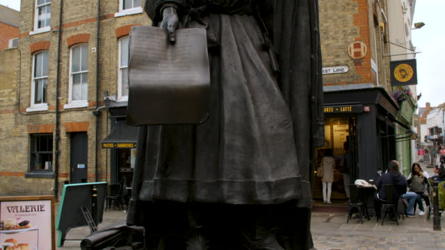 pan up a statue of geoffrey chaucer located on canterbury high street. - geoffrey chaucer stock videos & royalty-free footage