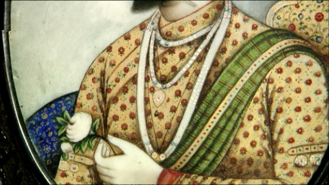 pan up portrait of emperor shah jahan inside taj mahal, agra - mughal empire stock videos and b-roll footage
