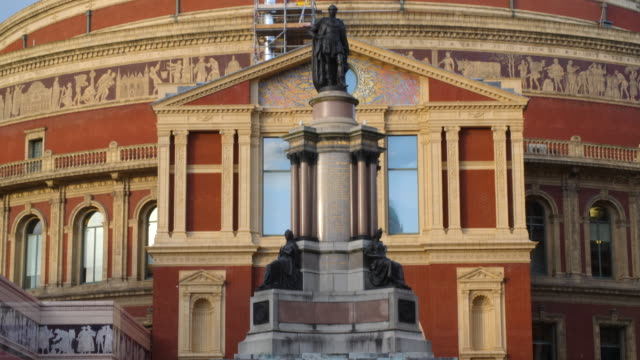 pan up the exterior of the royal albert hall in london's south kensington. - royal albert hall stock videos & royalty-free footage