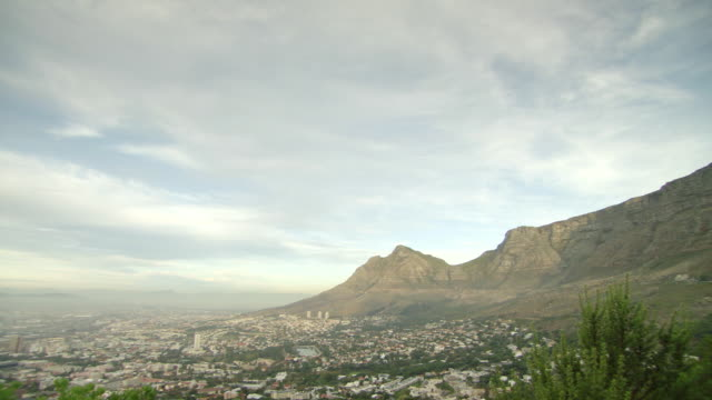 WS Pan TD View across from Table Mountain to overlooking city / Cape Town, South Africa