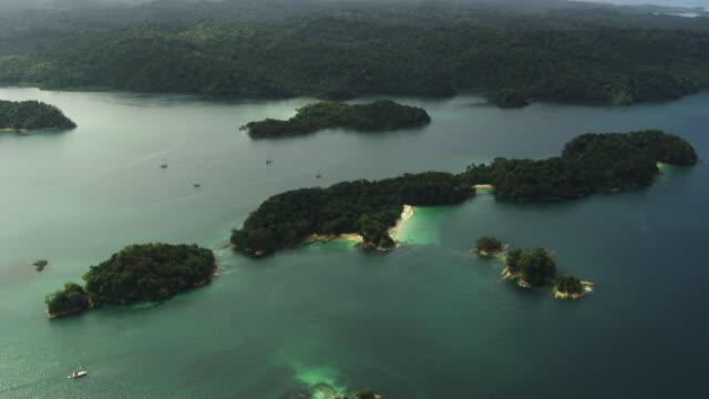 stockvideo's en b-roll-footage met panama : islands of the las perlas archipelago - panama