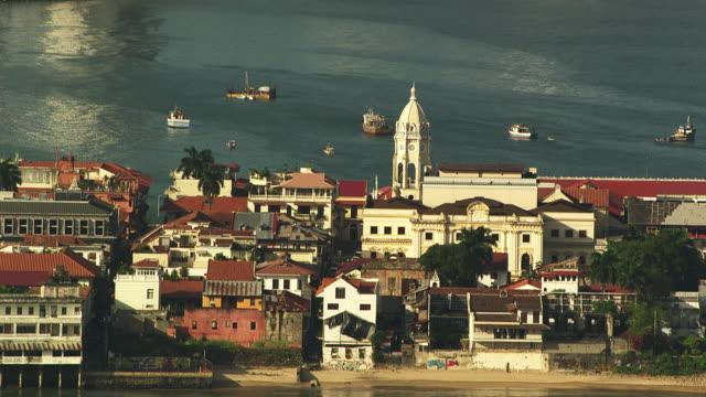 stockvideo's en b-roll-footage met panama : town by the sea - panama