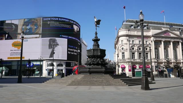 pandemic eros piccadilly circus london - international landmark stock videos & royalty-free footage