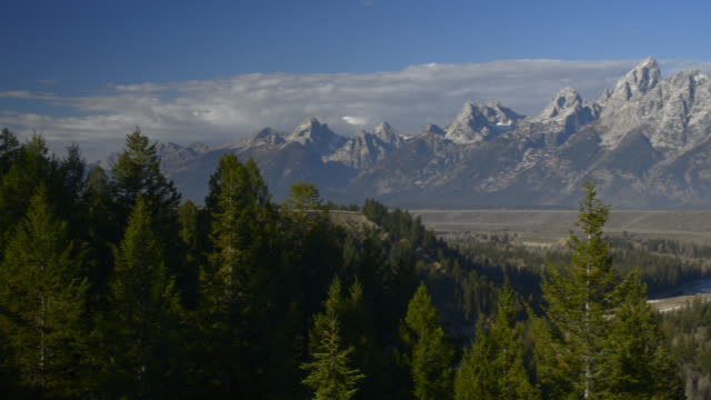 panl to r to grand tetons and snake river,grand teton national park - river snake stock videos & royalty-free footage