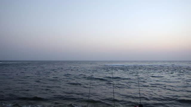 pan-left of jeddah corniche at dusk. - red sea stock videos & royalty-free footage