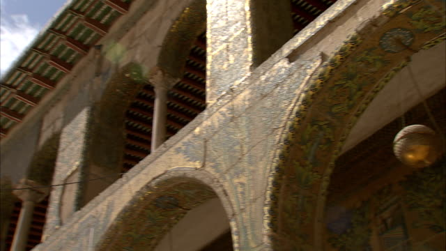 panning la ceiling of umayyad mosque (great mosque of damascus), damascus, syria - grand mosque stock videos and b-roll footage