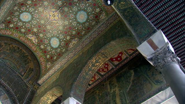 Panning LA ceiling of Umayyad Mosque (Great Mosque of Damascus), Damascus, Syria