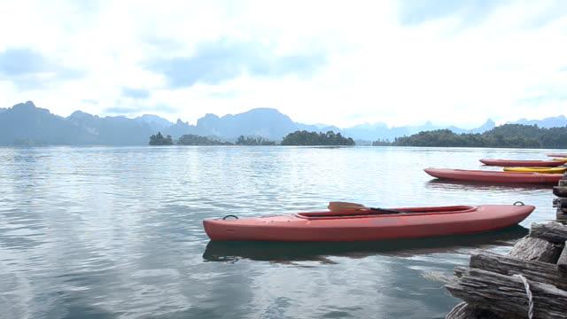 pannen: kajak boten zijn achter vlot in de ochtend.