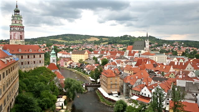 panning shot: aerial  cesky krumlov old town at dusk czech republic - traditionally czech stock videos & royalty-free footage
