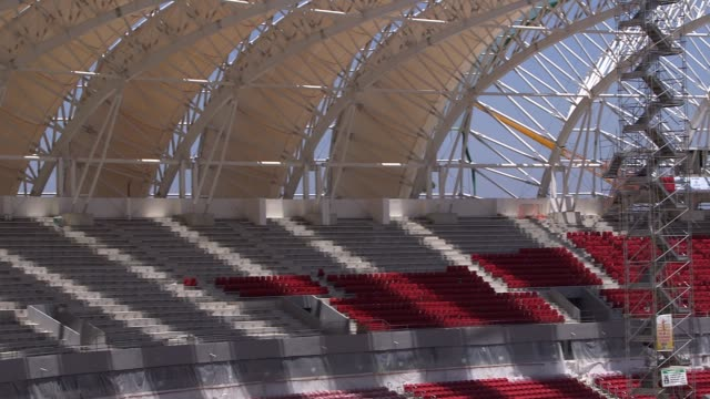 panning shot construction at estadio beirario in porto alegre continues home to the sport club internacional one of brazil's biggest clubs the... - porto alegre stock-videos und b-roll-filmmaterial