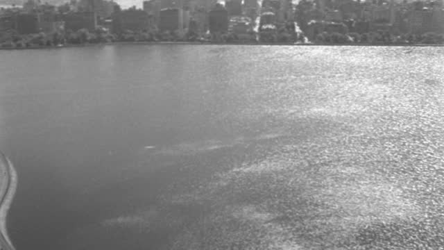 panning shot of central park and reservoir, manhattan, new york city, new york state, usa - 1937 stock videos & royalty-free footage