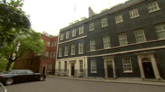 panning shot of downing street - downing street stock videos & royalty-free footage