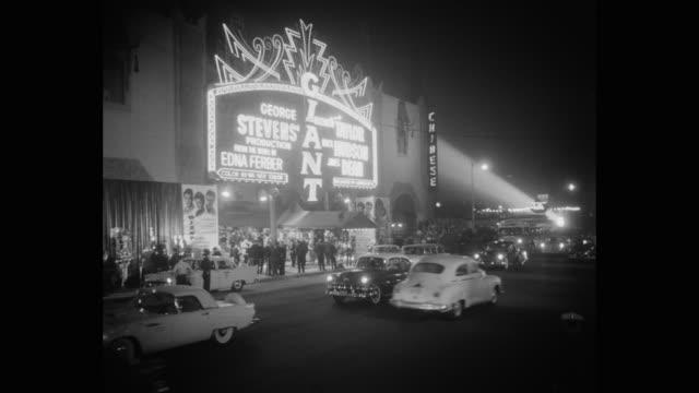 vídeos y material grabado en eventos de stock de panning shot of fans clapping hands at premiere of giant, los angeles, california, united states of america - estreno de película