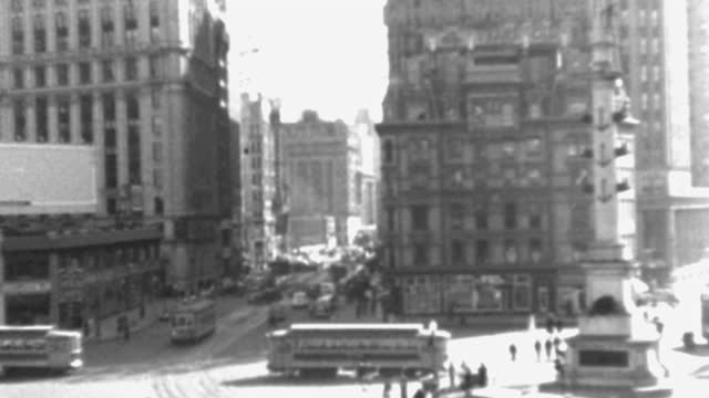 panning shot of people and traffic on busy columbus circle, new york city, new york state, usa - 1937 stock videos & royalty-free footage