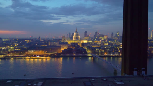 panning shot of the city of london skyline with the shard, st paul's cathedral and river thames seen from blavatnik building aka switch house of the... - city of westminster london stock-videos und b-roll-filmmaterial