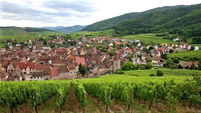 Schwenken Riquewihr Dorf Stadtbild Elsass Frankreich erschossen