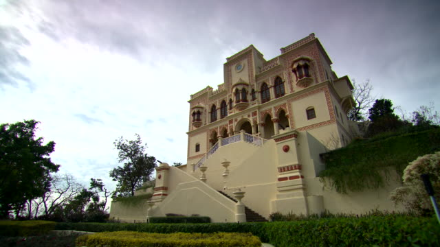 panning shot to the exterior of the ananda spa hotel at narendra nagar.  - courtyard stock videos and b-roll footage