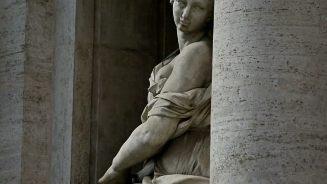 panning videoclip of woman statue at trevi fountain in rome - sculpture stock videos & royalty-free footage