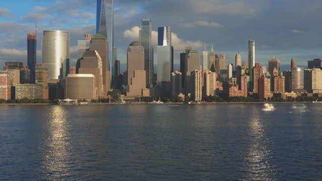 Panning4K Video of New York City Lower Manhattan at Sunset