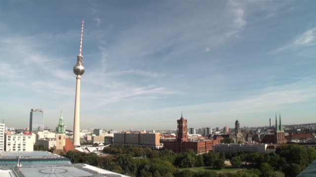 ws panorama berlin tv tower rotes rathaus nikolai church from berlin cathedral / berlin, germany - panorama stock-videos und b-roll-filmmaterial