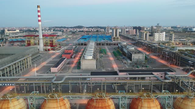 panorama of chemical plant, storage tanks, pipelines - power station stock videos & royalty-free footage
